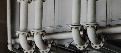 coyote-plumbing-fixing-pipes